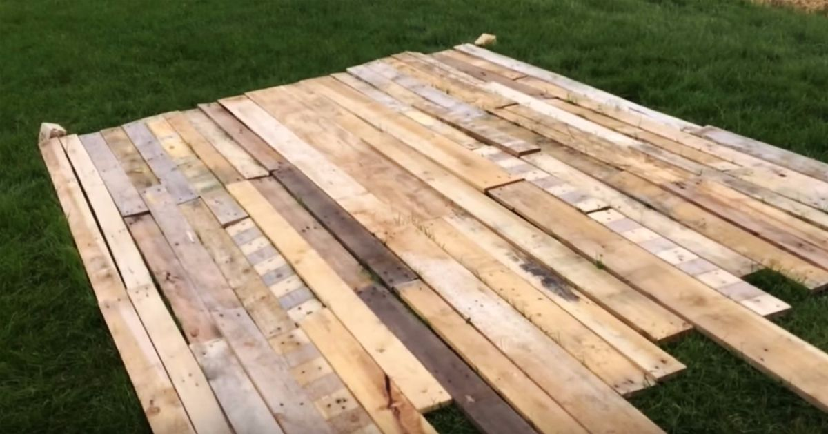 How to make a reclaimed pallet wood wall video for How to make a wood pallet wall